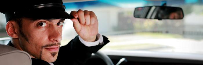 سائق وعاملة